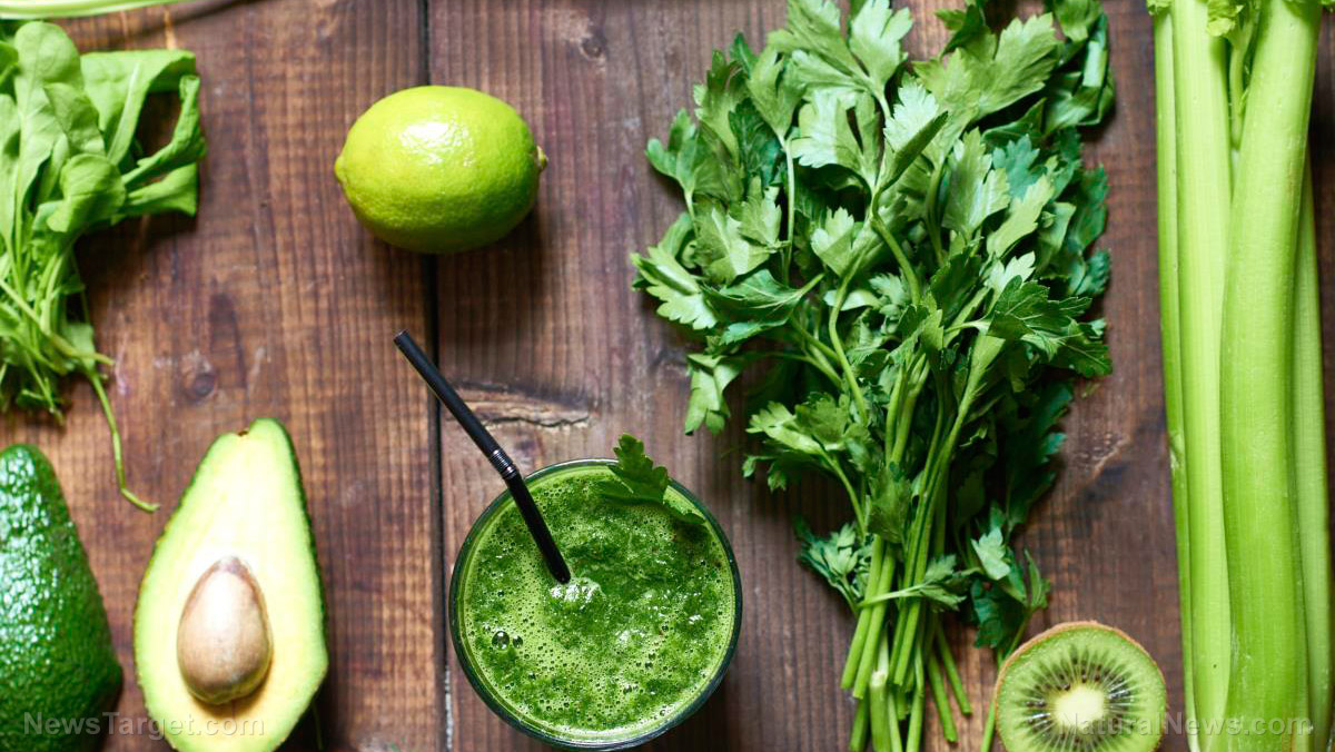 Use this formula to make a delicious, gut-healing keto green smoothie every time you're in the kitchen